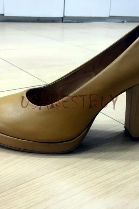New Handmade Women Elegant Superb Pumps with Wooden Heel and Leather sole.
